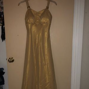GOLD (METALLIC) YELLOW PROM DRESS
